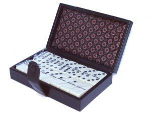 Juego dominó caja simil cuero